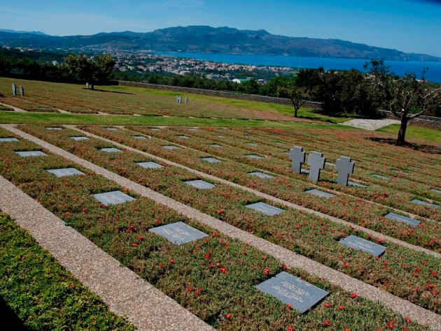 Ακόμη και οι νεκροί κατακτητές της Ελλάδας, δικαιούνται μια θέση ανάπαυσης