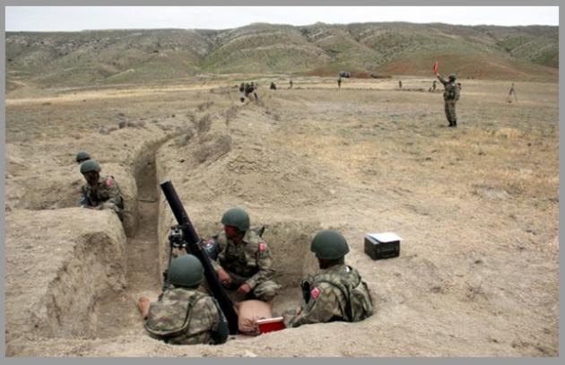 Από εκπαιδευτική δραστηριότητα μονάδας  Καταδρομών  του  Τουρκικού Στρατού.   Η  εκπαίδευση          διεξάγεται,  μάλλον,  σε  κάποιο πεδίο βολής.  Ακόμη και έτσι όμως,  είναι  σημαντικό  ο μαχητής να          εκπαιδεύεται, κατά το δυνατό, υπό τις ίδιες συνθήκες υπό τις οποίες μπορεί να κληθεί να πολεμήσει.                                                  (Η φωτογραφία είναι από το ON- ALERT)